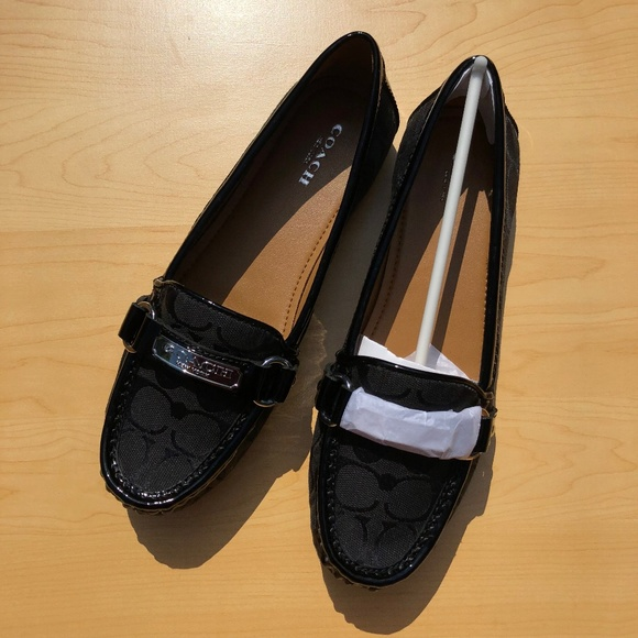 2dcafb24271 Brand New Coach Felisha Loafers Size 8